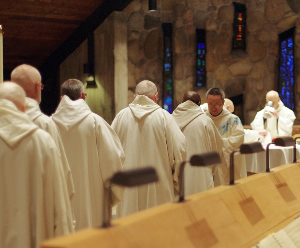 07-Receving Communion