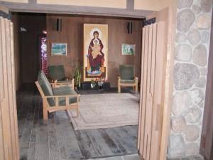 Entrance to quiet reception room area
