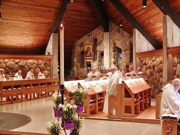 ABBEY CHURCH CHOIR FACING EAST